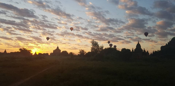 bagan-balloons.jpg