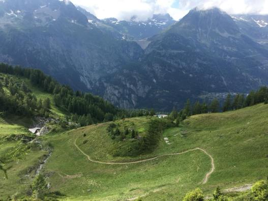 The path to Vallorcine